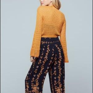 Band of Gypsies Sweaters - BOG NEW DELHI GOLD BELL SLEEVE CROP SWEATER